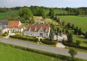03370 Chazemais, Frankrijk, 7 Bedrooms Bedrooms, ,Huis,Koop,Route de Saint Desire 80-82,1187