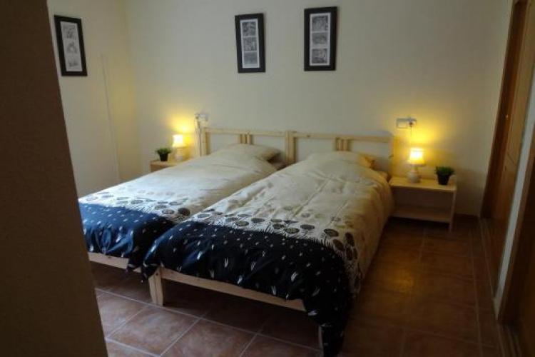 Mooie slaapkamer met badkamer inpandig