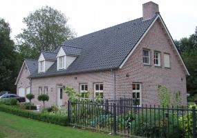 Landhuis aan bosrand