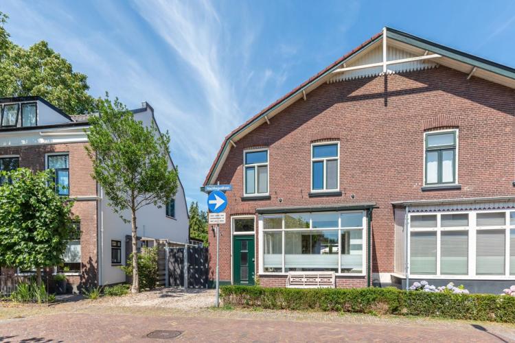 3741 WS Baarn, Nederland, 3 Bedrooms Bedrooms, ,Huis,Koop,Nachtegaallaan,1384